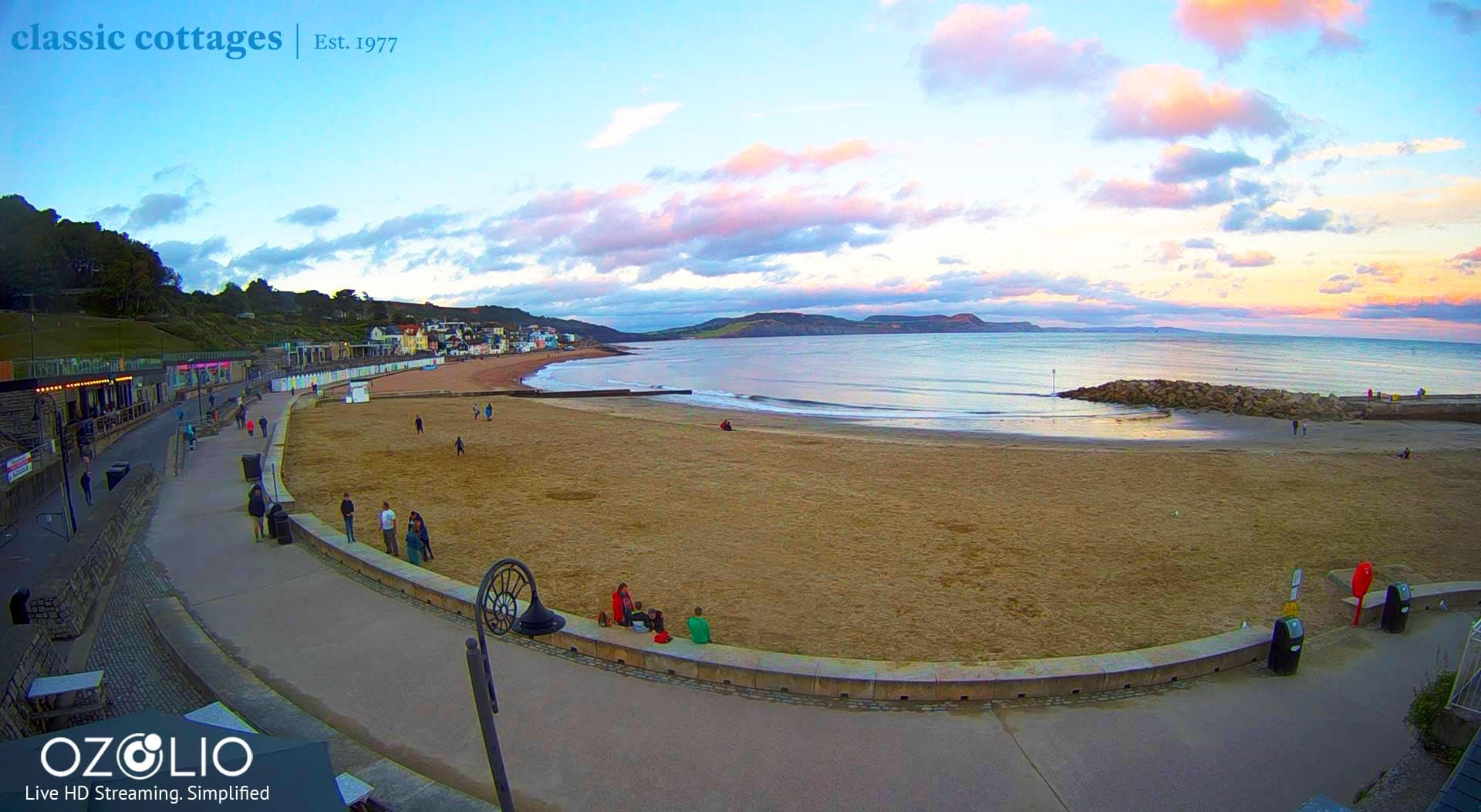 I love the Ozolio livestreams, like this one in Lyme Regis